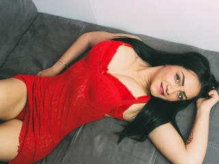 Voir le liveshow de  CuteBrunna de Xlovecam - 21 ans - I`m exactly that girl who`s able to make You lose Your mind! come discover what lies behind my  ...