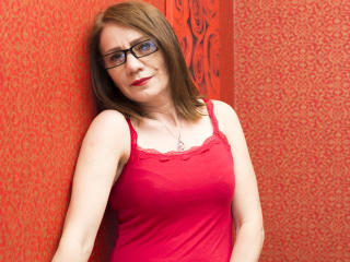 Voir le liveshow de  KamyMilf de Xlovecam - 47 ans - I love to have all parts of my body played with, even my feet ;) I love trying out new roleplays  ...