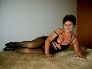 Voir le liveshow de  PinkAtractionX de Xlovecam - 59 ans - I can do the craziest things You dreamed about. Get on board and forgot about world existin ...