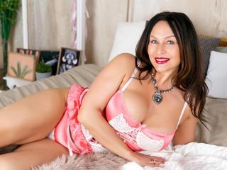 Voir le liveshow de  FloraSquirt de Xlovecam - 46 ans - A real LEGEND discover u NEVER get ENOUGH`EROTIC FLEXIBLE KINKY SEXY GORGEOUS FAVOURITE GAME I ...