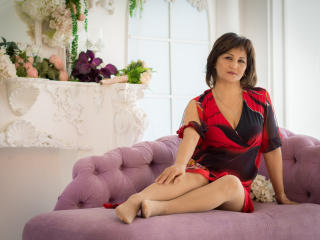 Voir le liveshow de  ShynesDestroys de Xlovecam - 45 ans - I am a cheerful and sociable woman who will give you an unforgettable time alone. I like to ...