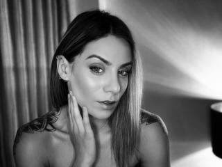 Voir le liveshow de  NellyBrise de Xlovecam - 24 ans - Sexy, hot and smart girl.. if you want to meet me, come in my room.