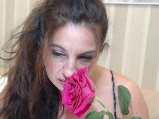 Voir le liveshow de  Emerald de Xlovecam - 39 ans - I come from your dreams and fantasies: sexy secretary, provocative strict teacher,elegant sexy dem ...