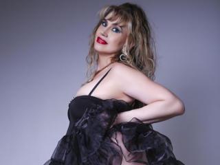 LadyMariahX sexy cam girl