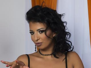 Voir le liveshow de  JudithRivera de Xlovecam - 27 ans - Im a  hot  brunet  tht   wanna  blow   your  mind