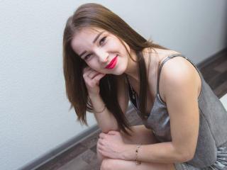 Voir le liveshow de  AngellinaSweet de Xlovecam - 22 ans - Hi! I'm Angelina, an elegant lady with a romantic streak who loves spending time chatting w ...