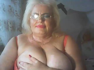 Voir le liveshow de  LoriKiss de Xlovecam - 50 ans -  I`m a hot and horny woman ready to make your dreams reality